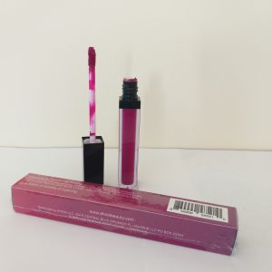 POUTY PLUM. Color #25. NON-TOXIC. SMUDGE FREE Long Lasting Waterproof Liquid Lipstick.